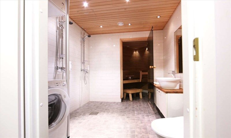 Ruka Village 77m2-Bathroom